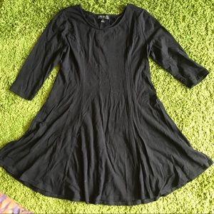 Black quarter sleeve skater dress
